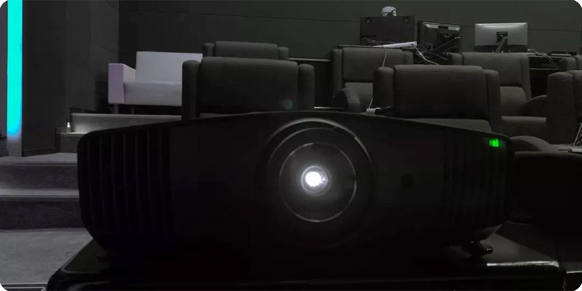 """向专业放映机""""靠近""""的色准投影机—明基W5700"""
