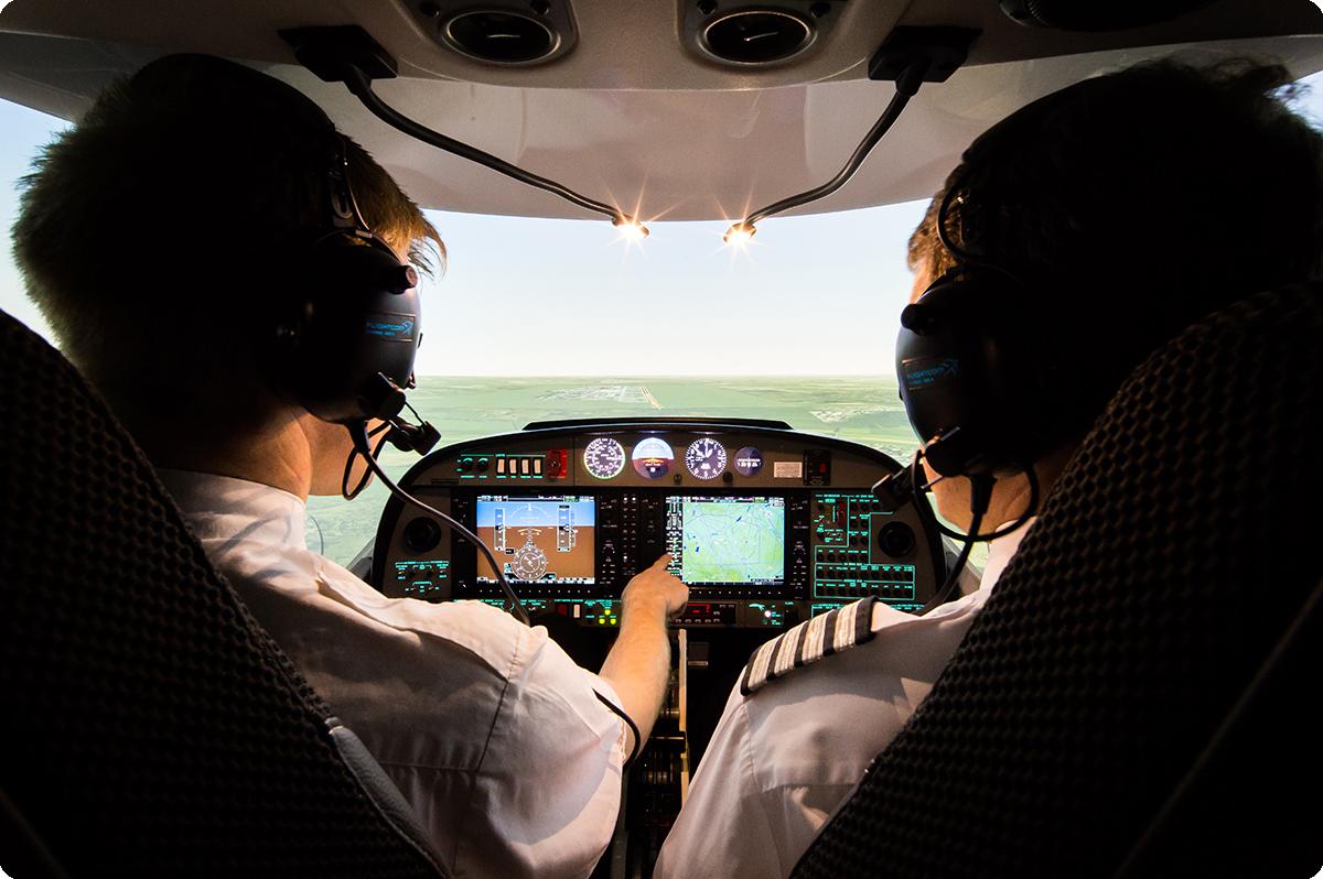 【工程案例】明基BenQ参与中国民航飞行学院国际飞行模拟器项目