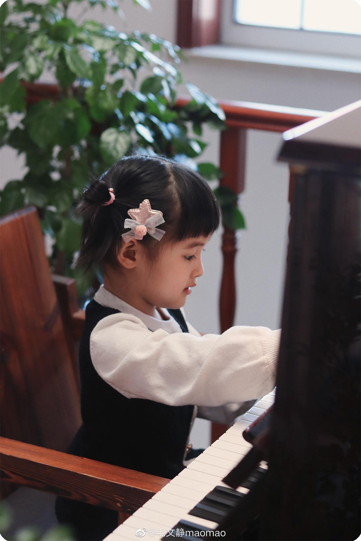 陪娃练琴神器分享|明基钢琴灯